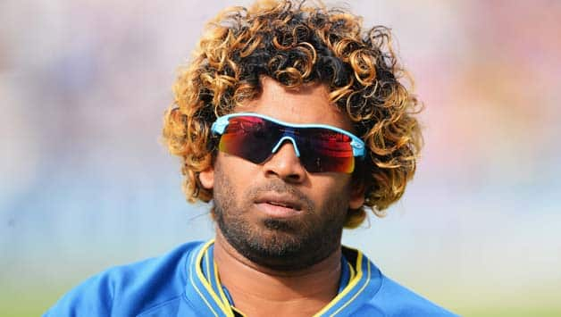 Spectator banned for throwing bottle during India-Sri Lanka tri-series final