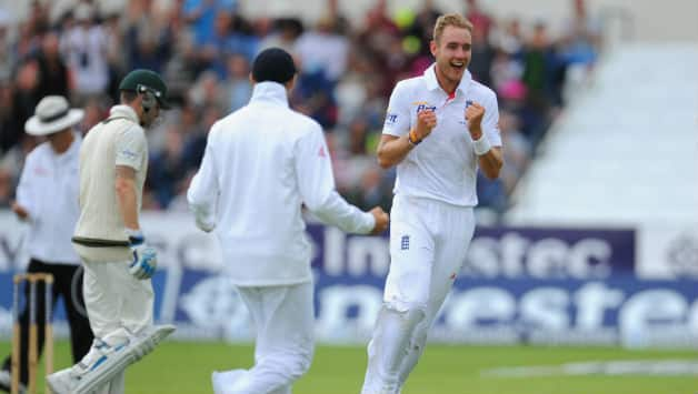 Ashes 2013: Stuart Broad dominates Australia in morning session on Day Two