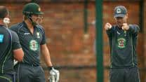 Ashes 2013: Shane Watson receives batting tips from Michael Clarke during training