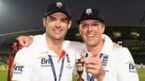 Ashes 2013: England players were answering call of nature at The Oval, says Graeme Swann
