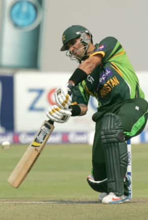Misbah-ul-Haq, Ahmed Shehzad guide Pakistan to 260/6 against Zimbabwe in 3rd ODI