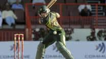 Umar Akmal cleared to play for Pakistan