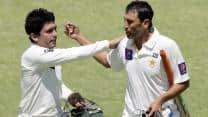 Younis Khan's 200 puts Pakistan in control against Zimbabwe on Day 4