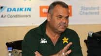 Dav Whatmore faces angry Pakistan fans on return from Zimbabwe
