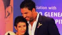 Yuvraj Singh, Manisha Koirala join hands to raise awareness about cancer