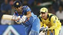 India vs Australia 2013 3rd ODI: Ashwin dismissed after Dhoni's blitz; Score 231/7 in 43 overs