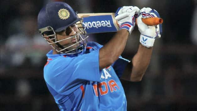 India vs Australia 2013 3rd ODI: MS Dhoni slams 9th ton; Score XXX/7 in XX overs