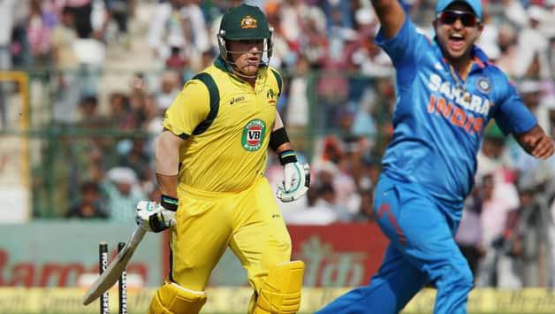 India vs Australia 2013 3rd ODI: Australia lose openers; Score XXX/1 in 17 overs