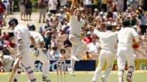 Ashes 2006-07: Shane Warne's spin on final day at Adelaide deflates England's hopes of clawing back