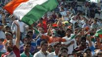India vs Australia 2013: Police resort to lathicharge to disperse cricket fans crowding for 6th ODI tickets