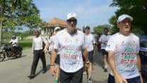 Ian Botham completes Sri Lankan charity walk; raises quarter million dollars