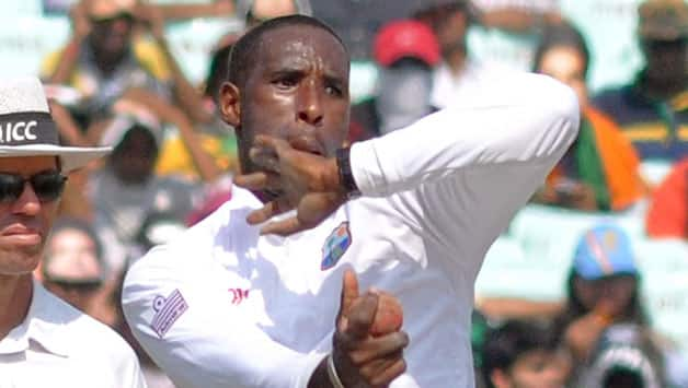 India vs West Indies 2013: Shane Shillingford, Marlon Samuels reported for suspect bowling actions