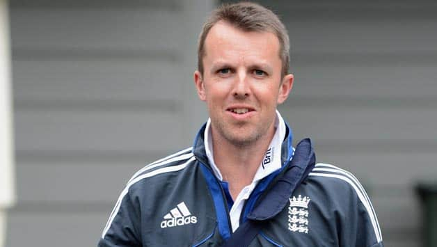 Ashes 2013-14: England not too old to defend the urn, says Graeme Swann