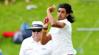Ishant given hard time by fans during practice game