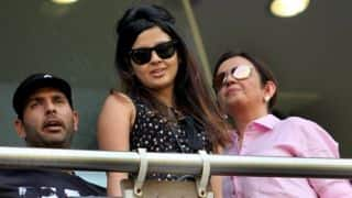 BCCI allows wives to accompany cricketers on tour