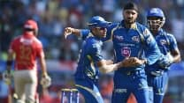 Harbhajan stresses on fearless bowling in T20s
