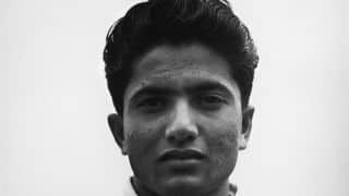 PM provides financial support to Hanif Mohammad
