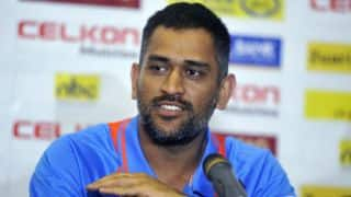 MS Dhoni wants to continue as India captain