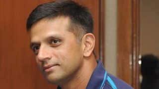 Dravid backs under-fire Dhoni