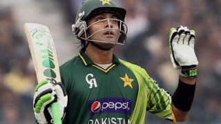 Hafeez urges fans to accept ouster gracefully