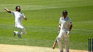 India restrict New Zealand to 78/7 at tea