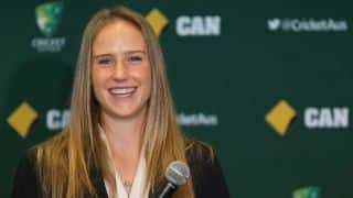 Ellyse Perry talks about fast bowling