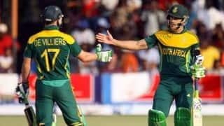 AB de Villiers apologises to Faf du Plessis