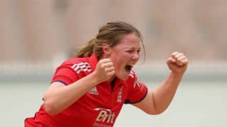 Shrubsole helps England clinch semi-final spot